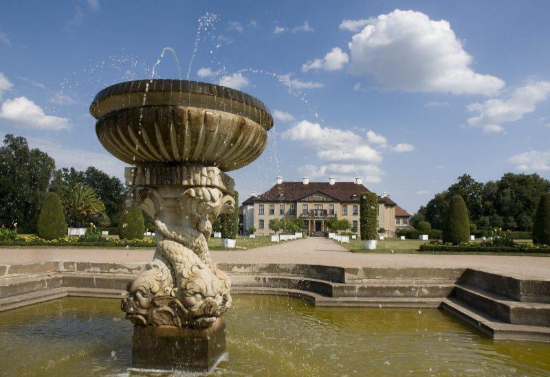 Delphinbrunnen um Schlosspark Oranienbaum