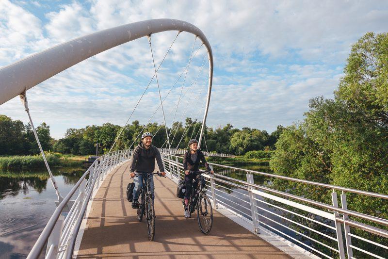 Elberadweg in Dessau Tiergartenbrücke