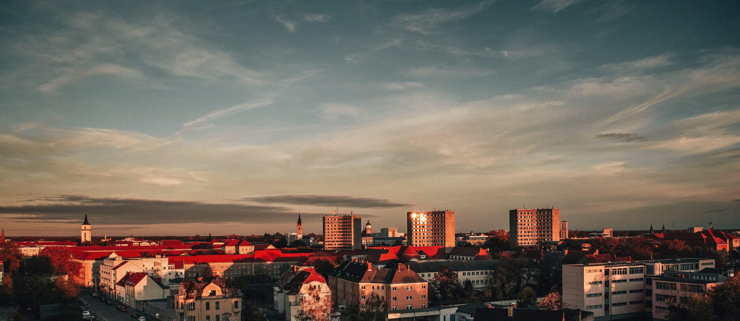 Stadtansicht Dessau im Abendrot