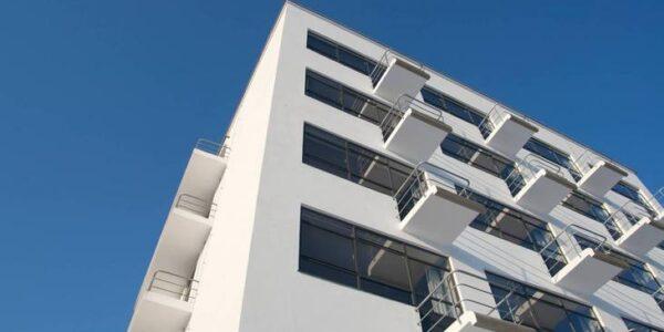 Das Dessauer Bauhaus als Highlight einer Pauschalreise